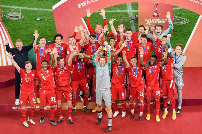 Bayern de Munique ergue a taça do Mundial de Clubes de 2020 no Catar