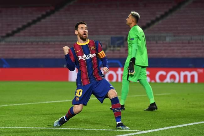 Messi abriu o placar para o clube catalão, que sucumbiu no 2º tempo