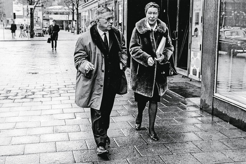 PIONEIROS -Sartre e Simone: casas separadas e aceitação de terceiros -