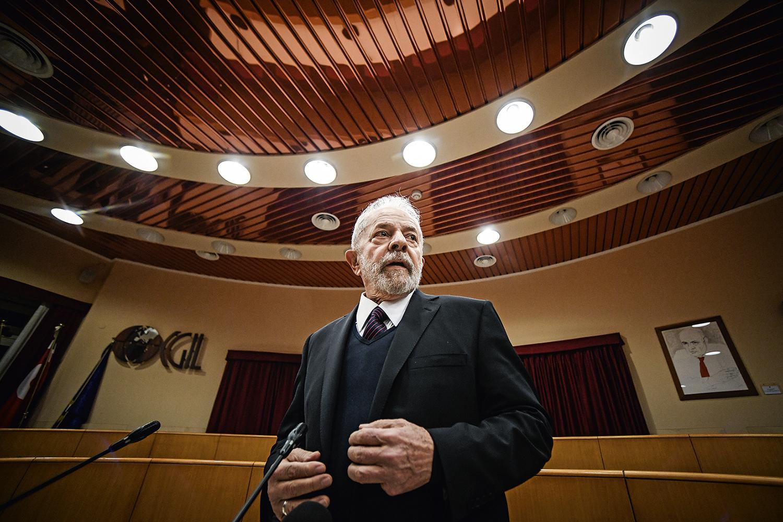 """O """"SONHO"""" DE BOLSONARO -Lula: o ex-presidente cumpriu pena por corrupção, deixou a prisão, mas continua inelegível -"""