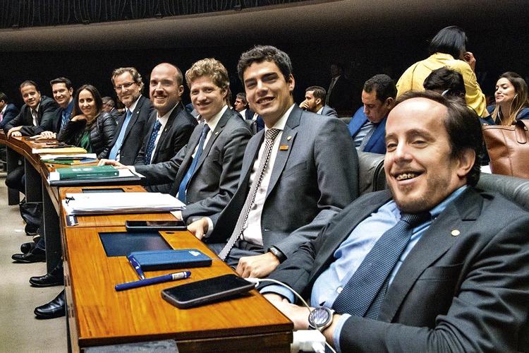 RISOS -Novo: os sete debutantes do partido só tiveram projetos aprovados em parceria com outros deputados -