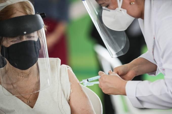Estado de SP começa vacinação de idosos entre 80 e 84 anos neste sábado