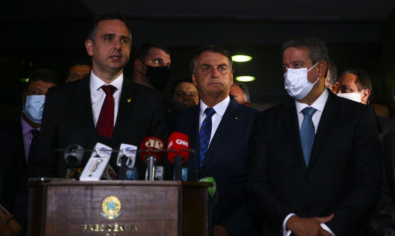 Pandemia não anula a Constituição