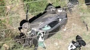 Imagens do acidente de carro envolvendo o golfista Tiger Woods -