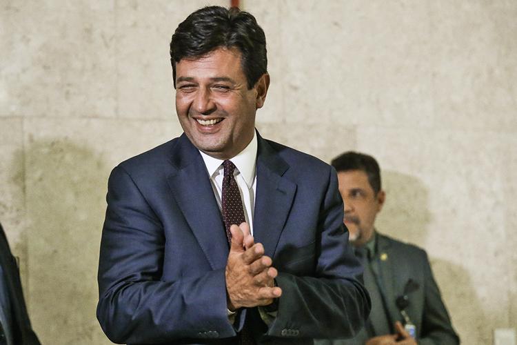 ENTRANDO EM CAMPO -Mandetta: planos para descolar o DEM do bolsonarismo -