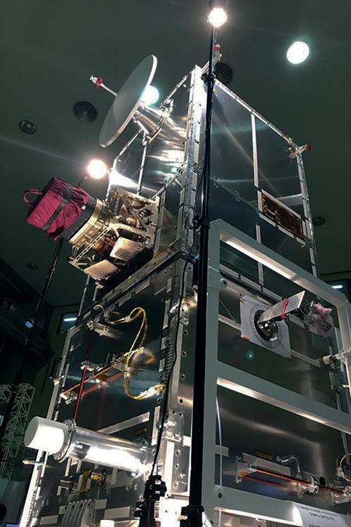 TECNOLOGIA -O Amazônia 1 na linha de montagem: projeto brasileiro -