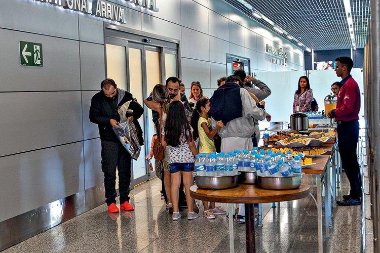 DE VOLTA PARA CASA - Aeroporto de Confins: 18000 barrados em um ano -