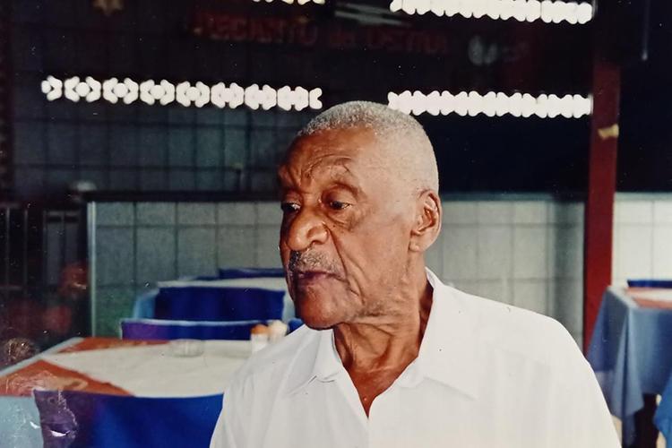 Barbosa viveu em Praia Grande nos últimos anos de vida. Faleceu em 7 de abril de 2000 -