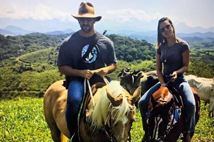 Oex-capitão do Bope Adriano Magalhães da Nóbrega foi morto na manhãde ontem, durante troca detiros com policiais do Batalhão de Operações Especiais (Bope) da Bahia, queatuou em apoio à inteligência da Polícia Civil do Rio.Apontado como autor de d