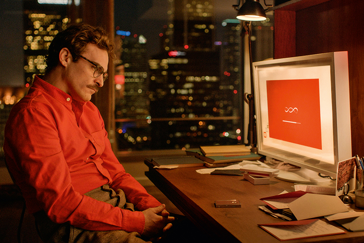A VIDA IMITA A ARTE - Joaquin Phoenix, no filme Ela: sentimentos pela máquina -