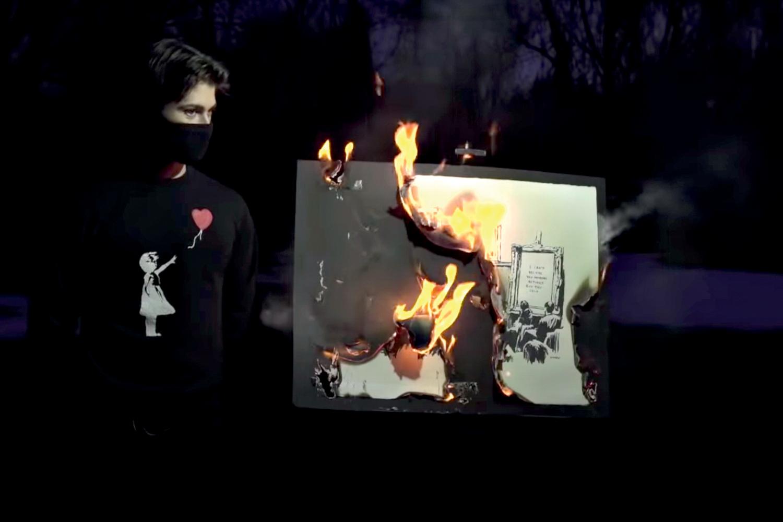 CONVERSÃO -Queima de um Banksy: obra física deu lugar a imagem digital -
