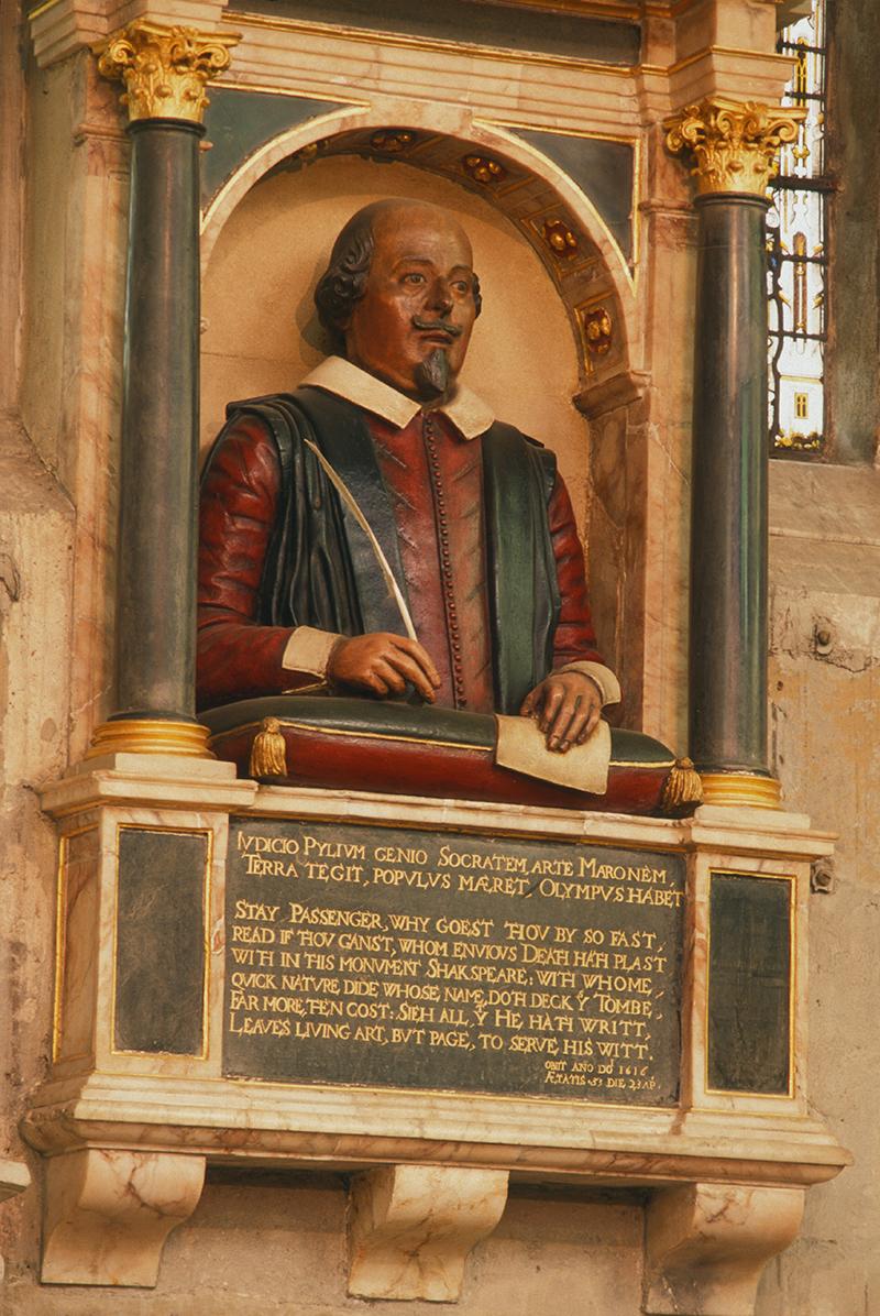 Escultura de William Shakespeare na igreja Holy Trinity, na cidade inglesa Stratford-upon-Avon -