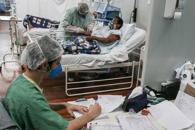 GettyImages-1231653648-covid-coronavirus-UTI-leitos-