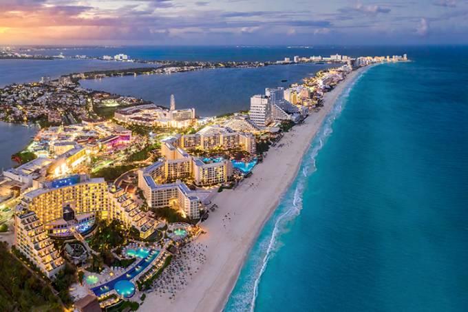Cancun beach coast with sunsets