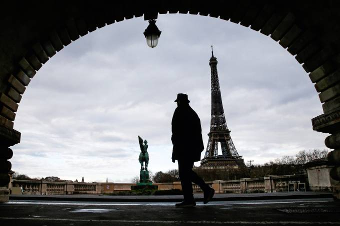 Parisians Walks On The Streets Before The 6 PM Covid-19 Curfew