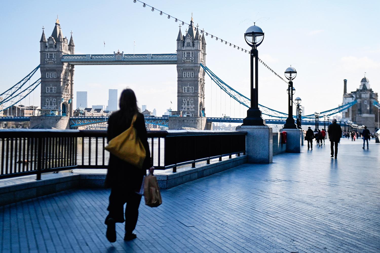 EXEMPLO -Londres: adoção de lockdown no Reino Unido conseguiu diminuir em 80% os casos de Covid-19 no início do ano -