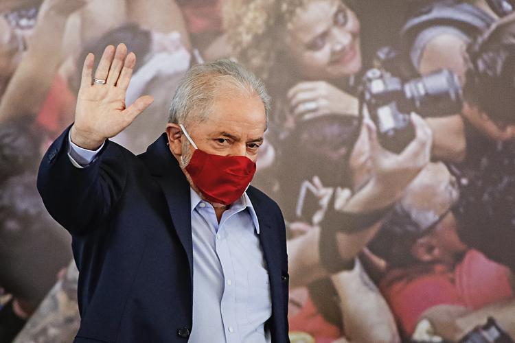 DE VOLTA -Lula, na primeira aparição: nenhuma referência aos inúmeros casos de corrupção do PT -