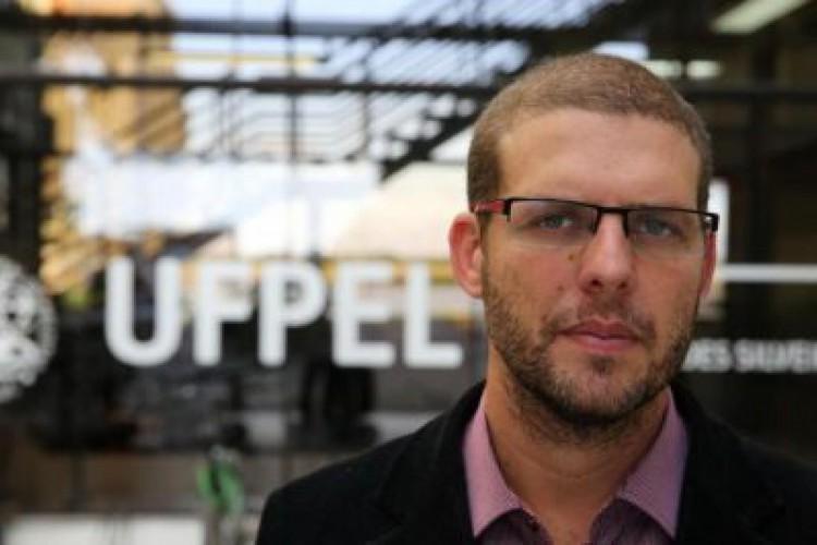 Pedro Hallal, ex-reitor da UFPel, advertido por ter feito críticas ao presidente da República