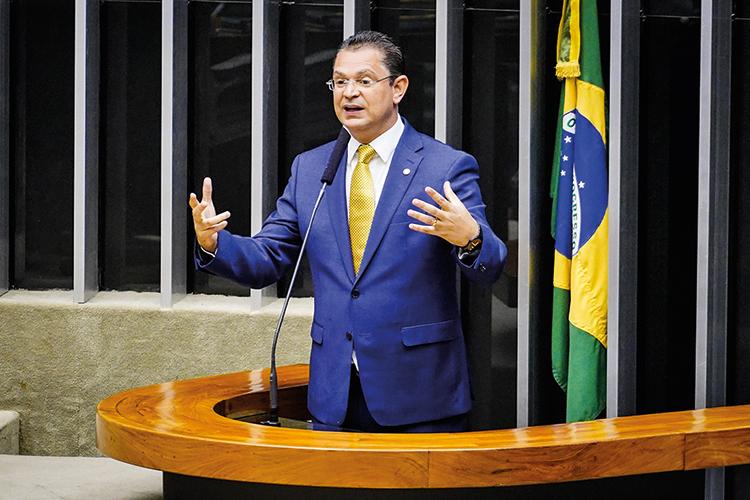 ASSÉDIO- Sóstenes: pedido estranho para limpar a barra junto a Bolsonaro -