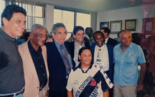 Com Roberto Dinamite, Eurico Miranda, Bebeto na festa do centenário do clube, em 1998 –