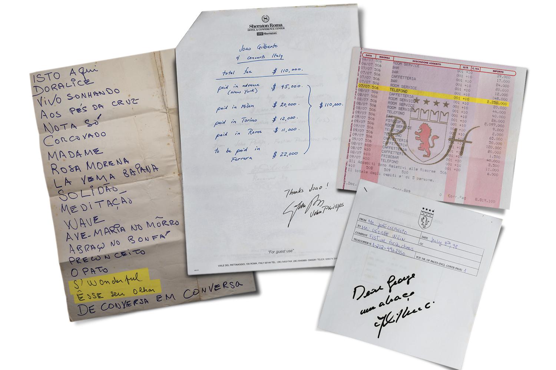 """RETRATOS DO PASSADO - Guardados da pasta preta em torno da turnê nos EUA e na Europa em 1998, nos quarenta anos da bossa nova (da esq. para a dir.): """"cola"""" com a lista das músicas, duas delas escritas de próprio punho; contabilidade de cachês assinada por John Phillips, do JVC Jazz Festival; a conta de hotel na Itália com altos gastos em telefonemas; e o fax enviado ao produtor George Wein, que organizou a turnê -"""