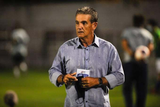 Paulo Roberto Santos, técnico do Santo André