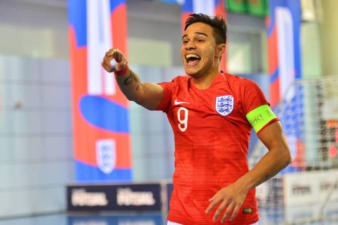 Raoni Medina, brasileiro capitão da seleção inglesa de futsal