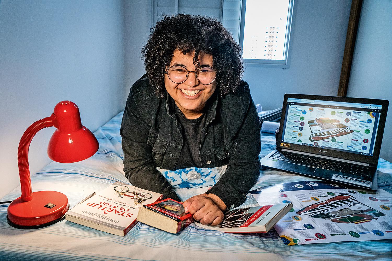 Joyce Rocha, 28 anos, designer e fundadora da startup aTip -