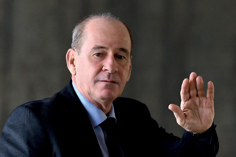 NÃO MERECIA -Azevedo: a demissão sumária demorou apenas três minutos -
