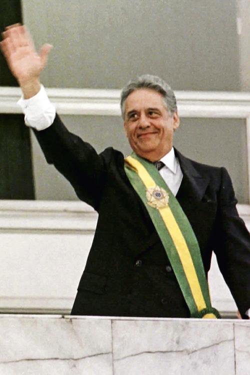 PASSADO- FHC reeleito: último triunfo presidencial de um partido protagonista -
