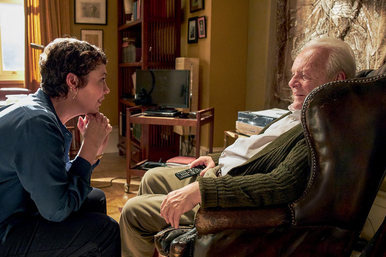 DRAMA -Hopkins, o pai, com Olivia Colman, a filha: desintegração mental na qual não há companhia -