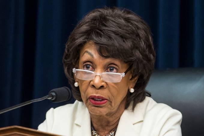 A democrata Maxine Waters –
