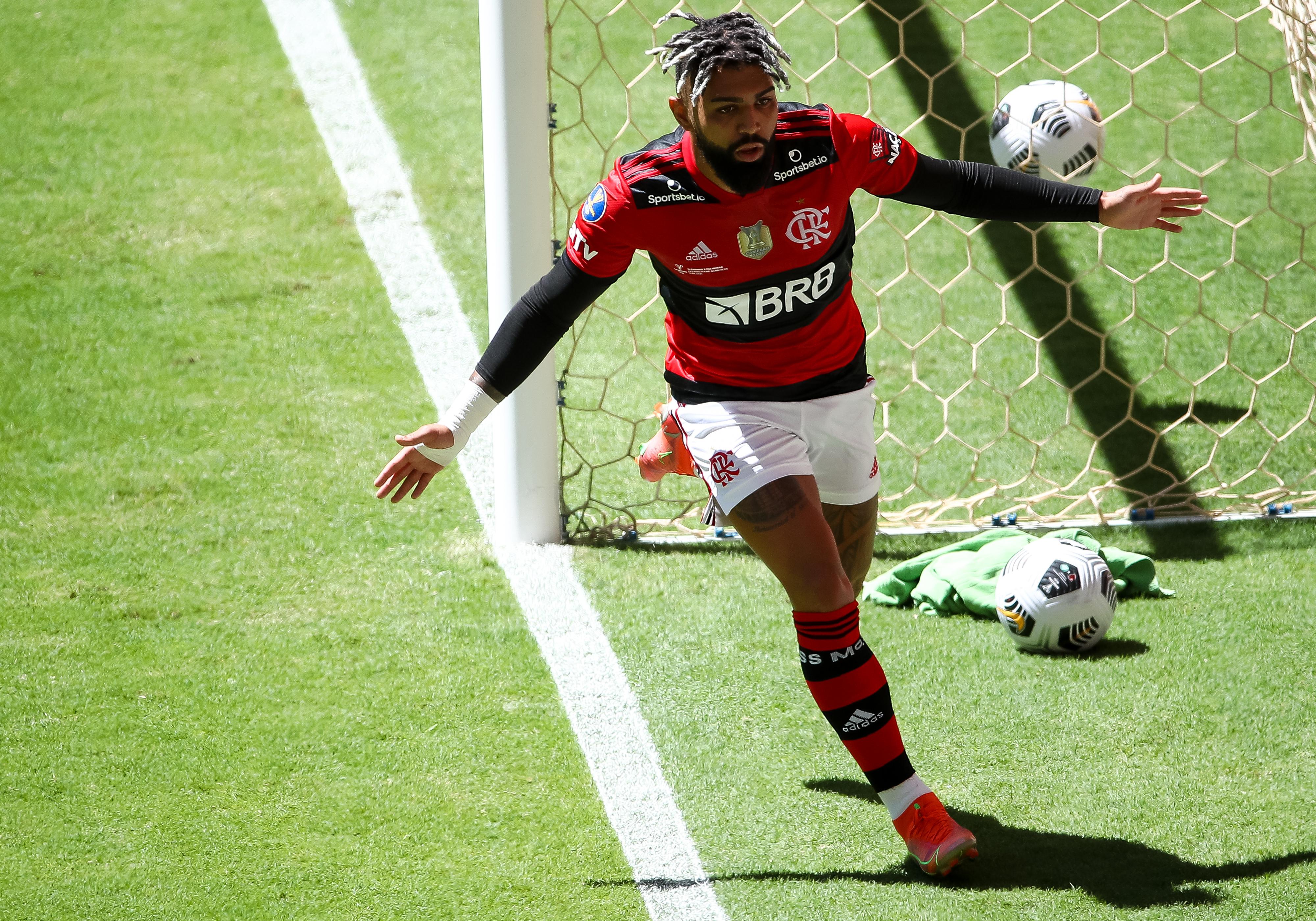 Nos pênaltis, Flamengo vence Palmeiras e é campeão da Supercopa do Brasil