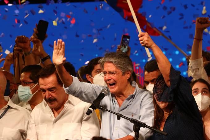 Ecuadoreans Vote For President in Runoff