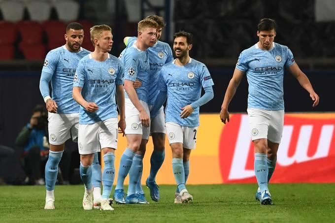 Kevin de Bruyne comemora o primeiro gol do City contra o PSG