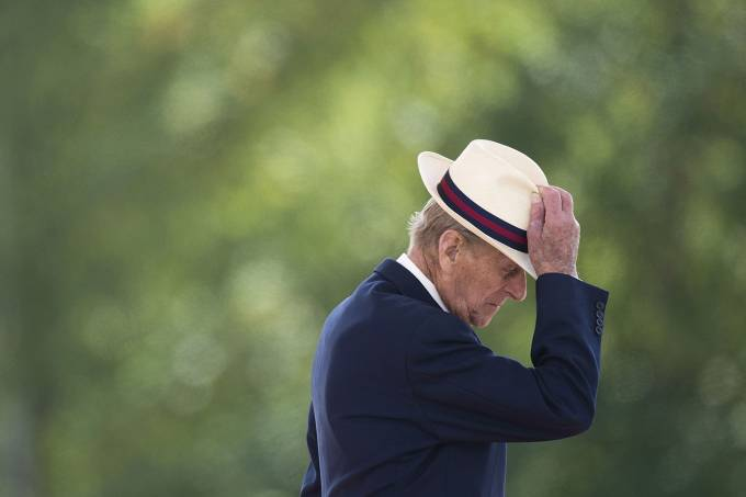 The Duke Of Edinburgh Presents Campaign Medals To 4 Scots