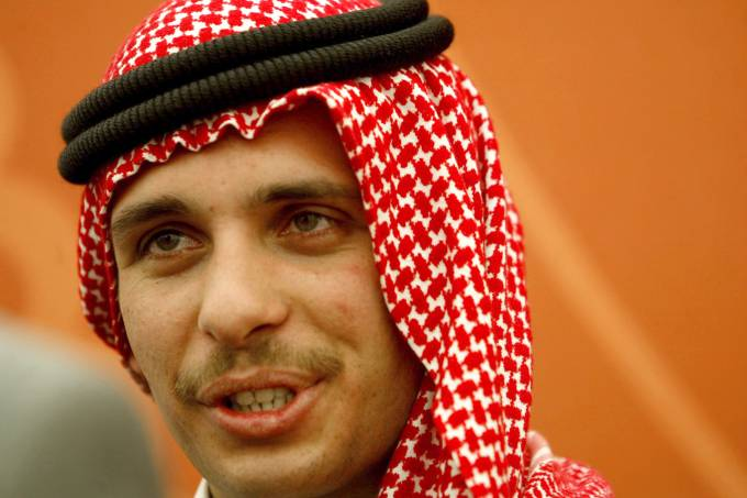 Jordan's Crown Prince Hamzeh receives bedouin tribal leaders of the country