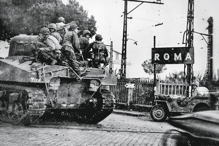 COZIDO NO CAPACETE- Soldados americanos chegam a Roma: criação inesperada -