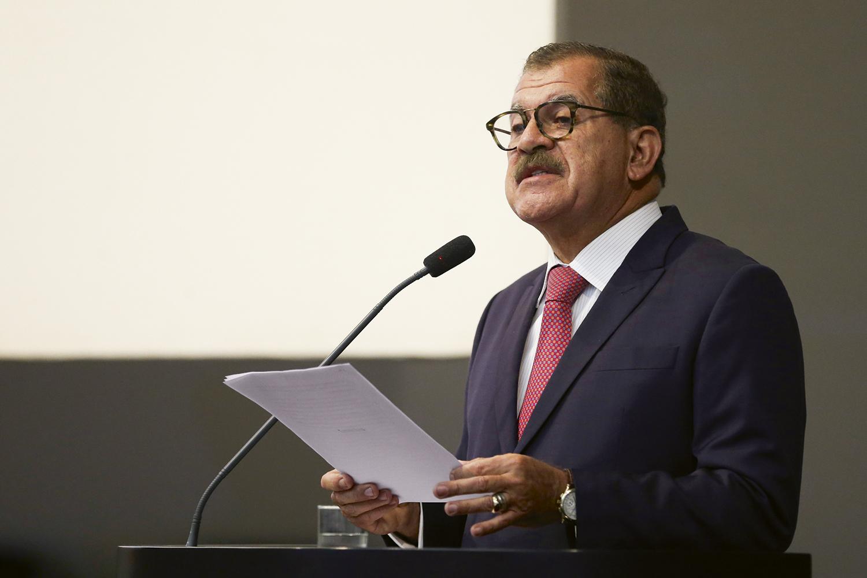 APOIOS- Humberto Martins: aliados vão de Flávio Bolsonaro a Renan Calheiros -