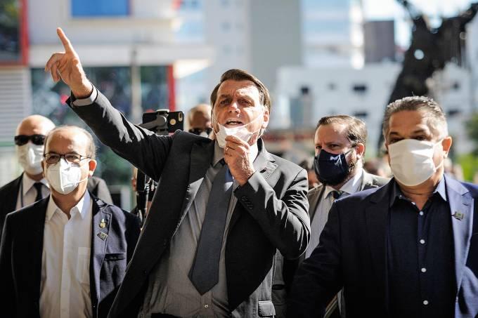 Bolsonaro visita ao Centro de Atendimento a Covid-19 em Chapecó