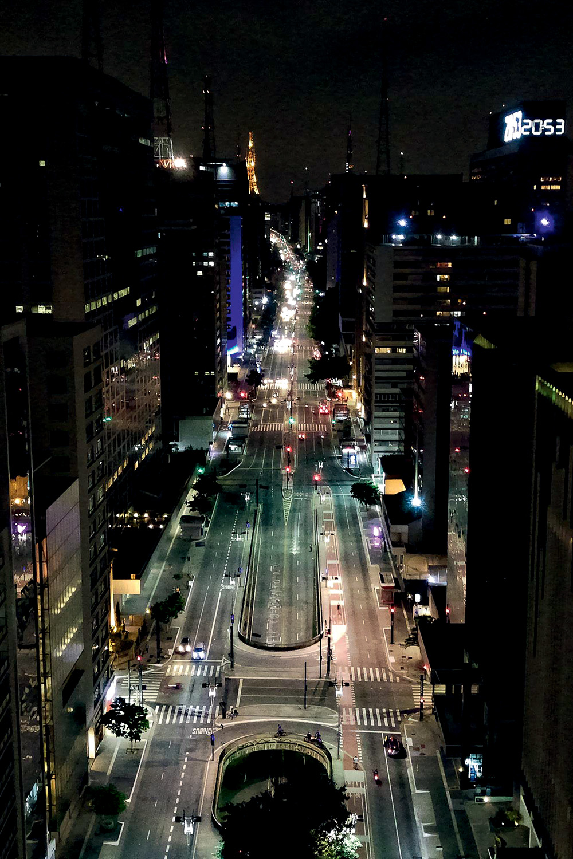 A AMEAÇA -Lockdown em várias cidades: a preocupação do Planalto -