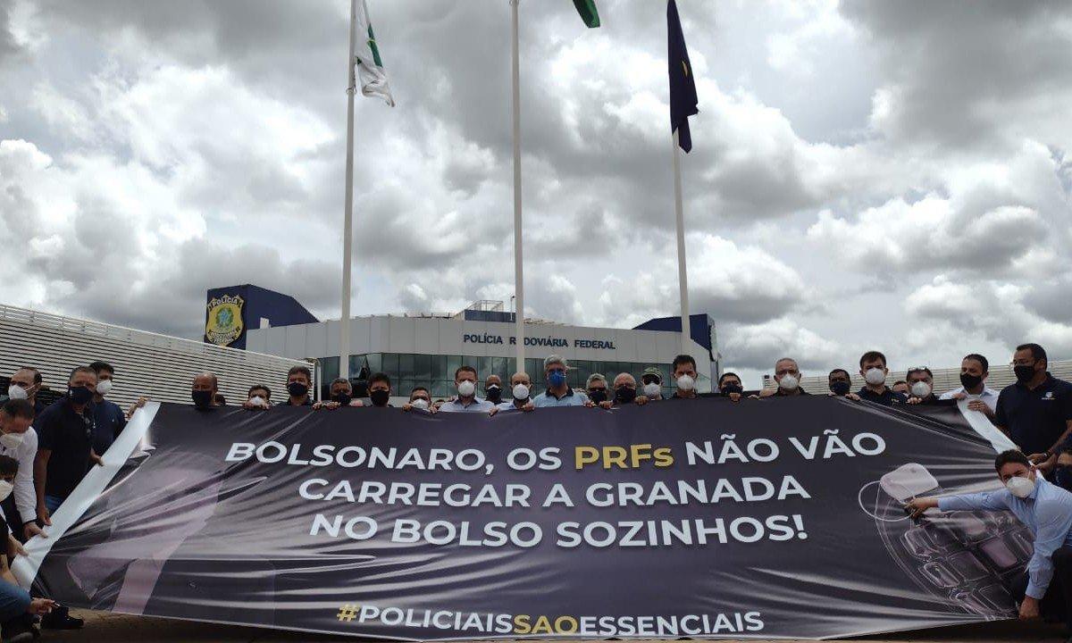 Protesto de policiais rodoviários federais contra o presidente Jair Bolsonaro em Brasília