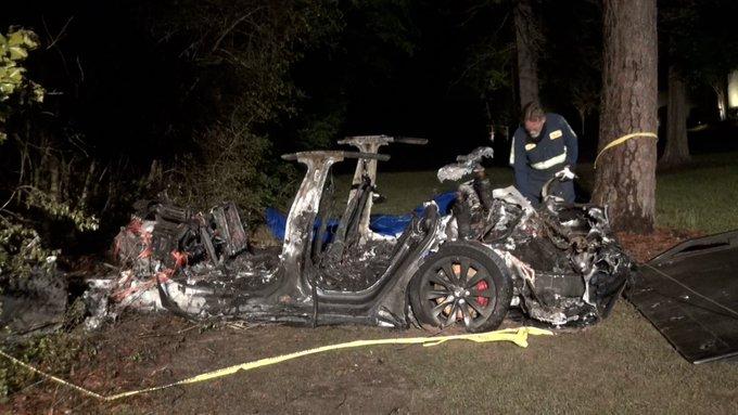 Tesla-acidente
