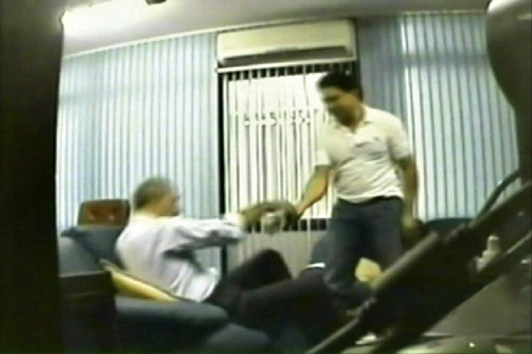 VIDEOCORRUPÇÃO -José Roberto Arruda: flagrante de propina e prisão -
