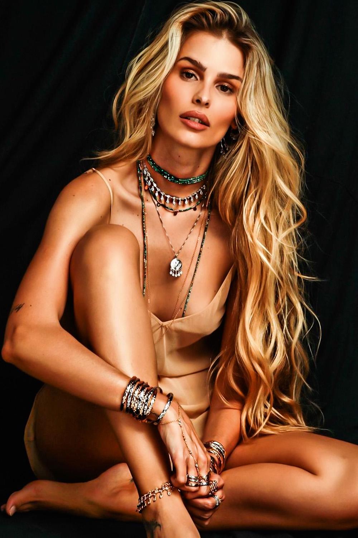 Yasmin Brunet, 32, modelo -