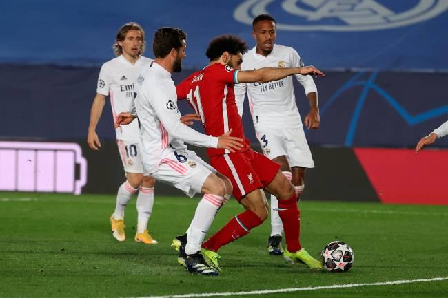 Mohamed Salah marcou, mas não conseguiu evitar nova derrota do Liverpool -