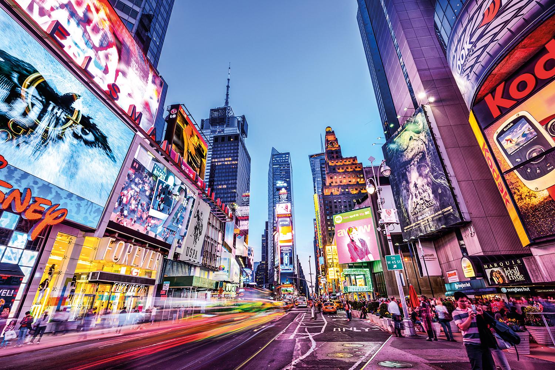 ILUMINADA -Nova York: com imunização em massa, EUA aceleram retomada -