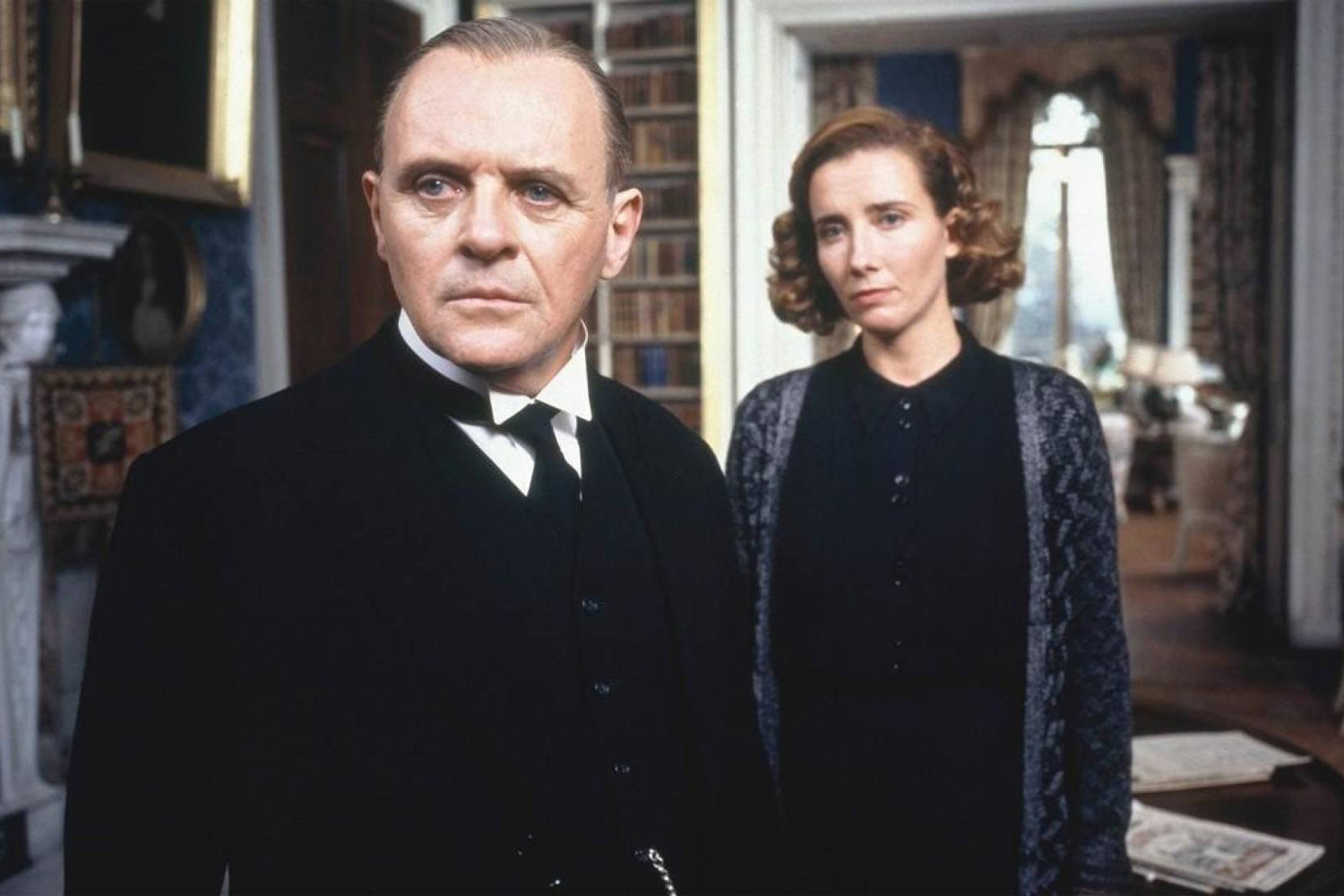 Anthony Hopkins e Emma Thompson no longa 'Vestígios do Dia', indicado a oito categorias do Oscar de 1993