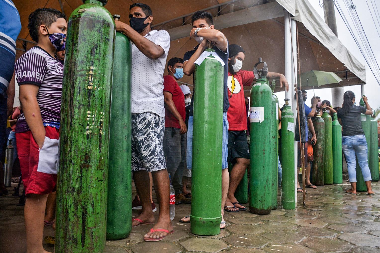 CAOS -Manaus: aplicativo polêmico lançado em meio à crise de oxigênio -