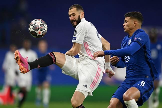 Duelo entre Thiago Silva e Karim Benzema -
